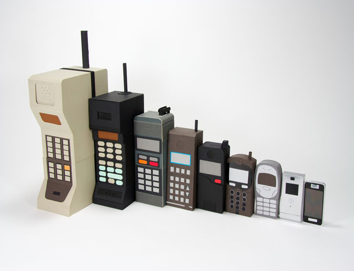 kyle-beans-evolution-of-the-mobile-shows-different-sized-mobile-phones